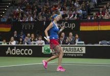 Finale Fed Cup 2014: Conclusa la prima giornata. Rep. Ceca vs Germania 2 a 0. Kvitova e Safarova vincenti. Il campo però non è regolare. Multa in arrivo