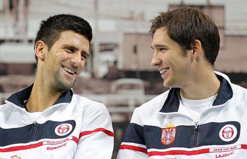 Dusan Lajovic con Novak Djokovic nella foto