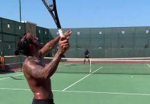 Lewis Hamilton gioca a tennis con suo padre (Video)