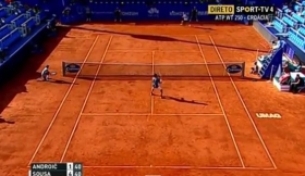 Video del Giorno: Il Lob Tweener di Joao Sousa