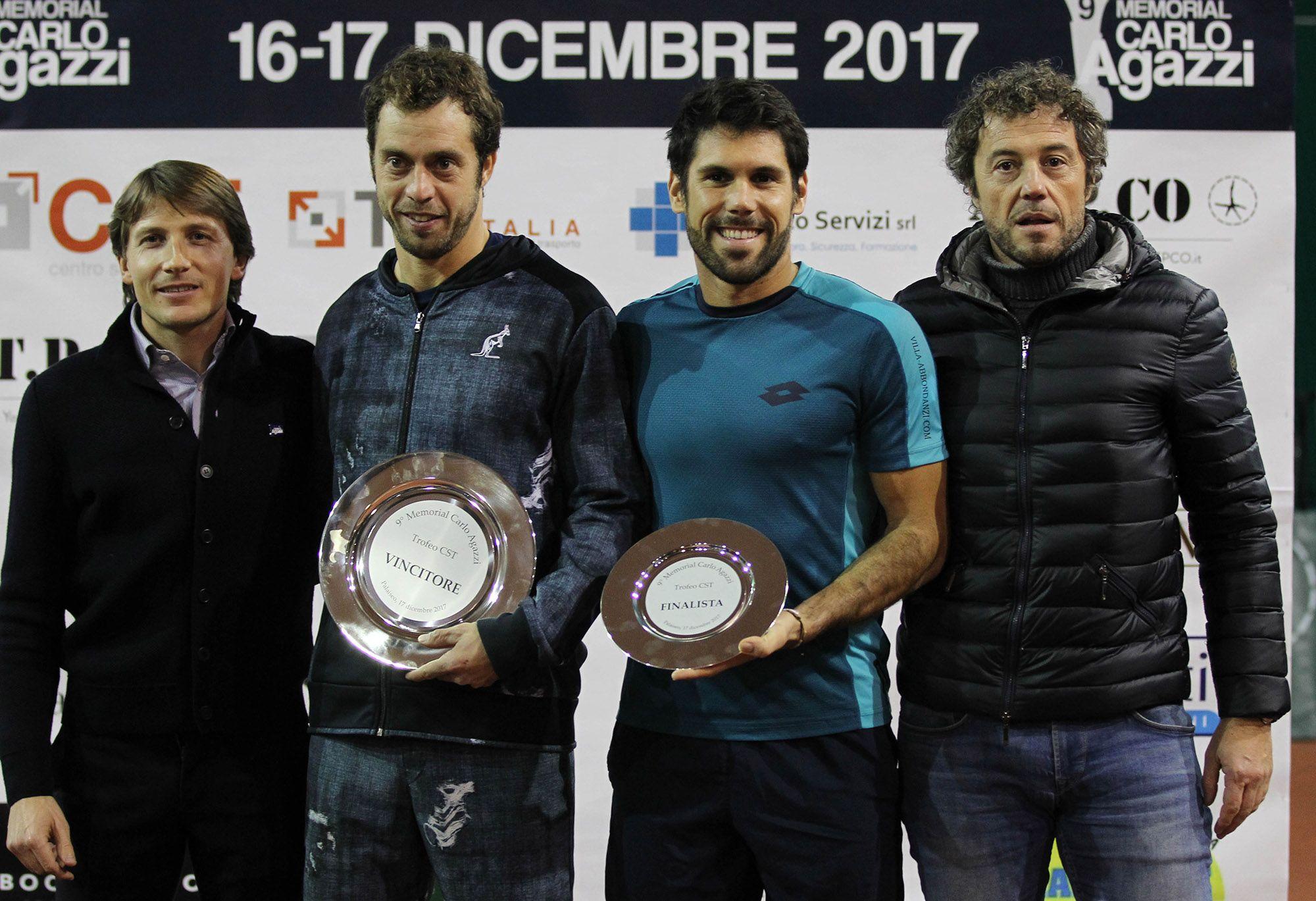 la premiazione del rodeo Open del PalaIseo: da sinistra, Andrea Agazzi, Paolo Lorenzi, Federico Gaio ed Enrico Vezzoli (CST)