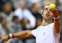 ATP Estoril: Paolo Lorenzi impiega tre set per superare Desein e accedere al secondo turno. Adesso il derby con Fognini