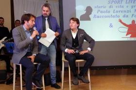 Un momento dell'evento Sport Live Club, con Paolo Lorenzi raccontato dal giornalista Fabrizio Valli (al centro) - Foto Calabrò