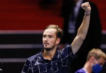 """ATP Finals: Medvedev è il """"Maestro"""" 2020. Sconfigge Thiem in tre set in una partita tattica, varia e spettacolare"""