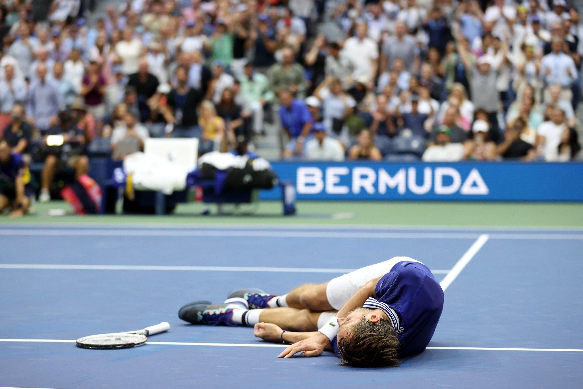 Medvedev demolisce il sogno di Djokovic