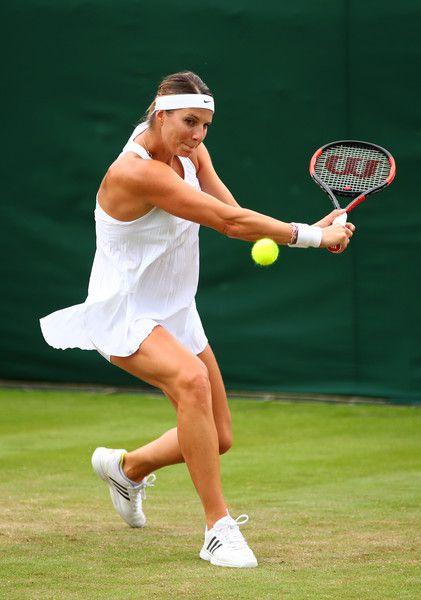 Mandy Minella in azione oggi a Wimbledon