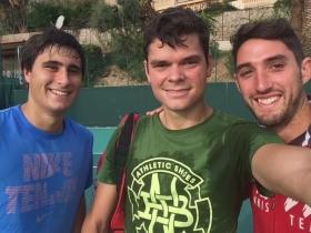 Da sinistra, Gianmarco Moroni, il n.8 del mondo Milos Raonic e il coach Andrea Volpini del Team Piatti (Foto BLTC)