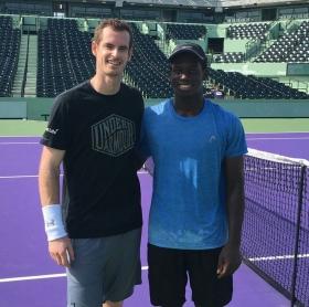 Andy Murray si allena con il giovane Danny Thomas