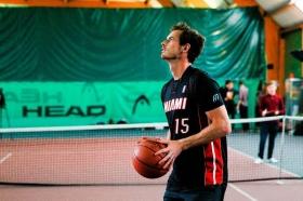 Andy Murray si dà al basket con la #HalfCourt challenge