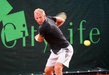 A Salisburgo Thomas Muster conquista un set contro Dennis Bloemke