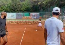 Federer in campo con Thierry Henry e la figlia Myla Rose (Video)