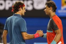 Stretta di mano tra Rafael Nadal e Roger Federer