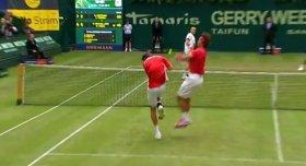 Scontro tra Rafael Nadal e Marcel Granollers ad Halle