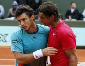Rafael Nadal e Juan Monaco impegnati nel doppio a Vina del Mar
