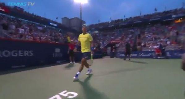 Video del Giorno: Rafael Nadal corre e cade il cameraman