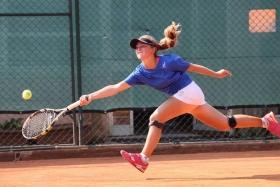 L'azzurra Carlotta Mencaglia, sconfitta in singolare contro la Francia