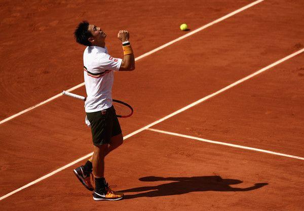 Roland Garros, Murray ai quarti: dedica alle vittime di Londra