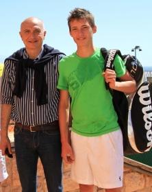 Julian Ocleppo con il padre Gianni, ex numero 30 del mondo (Foto Erika Tanaka)