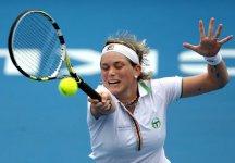 WTA Estoril: Romina Oprandi dopo sette mesi ritorna alla vittoria. Elimina la Zheng, testa di serie n.7