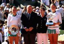"""Roland Garros: Parlano Jelena Ostapenko e Simona Halep. La Ostapenko """"Sul 3-0 per la Halep nel secondo set nella mia testa mi sono detta, godiamoci la partita e lottiamo su ogni punto"""". La Halep """"Non credo abbia cambiato molto il suo gioco, aveva un solo piano"""" (Video della Finale)"""