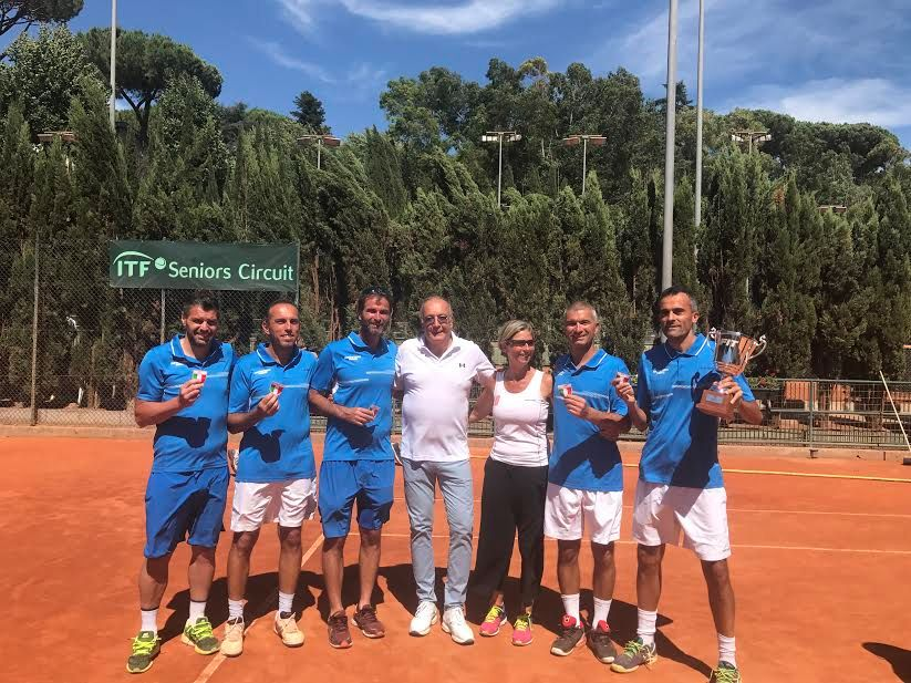 Il circolo Junior Tennis Perugia vincitore - Foto Luca Fiorino