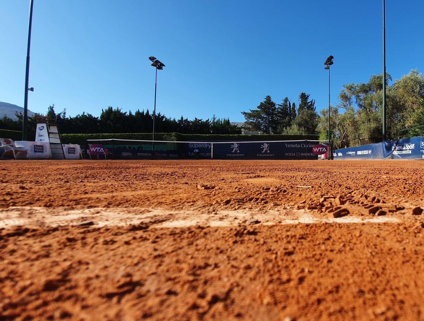 WTA Palermo: Giocatrice positiva al coronavirus. Torneo a rischio?