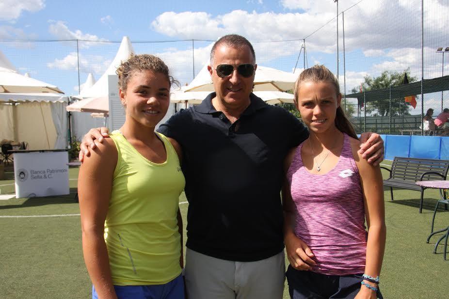 Nella foto il Dottor Giuseppe Centro Comitato Organizzatore insieme a Jasmine Paolini e Jessica Pieri