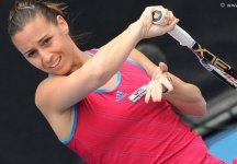 WTA Auckland: Sfuma sul più bello il titolo per la Pennetta, si ritira al terzo. L'azzurra era avanti di un set e di un break