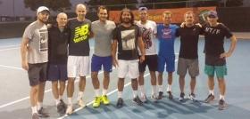 Roger Federer si allena anche con Lucas Pouille