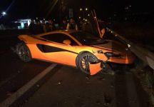 Marcelos Rios distrugge la macchina ma rimane per fortuna illeso