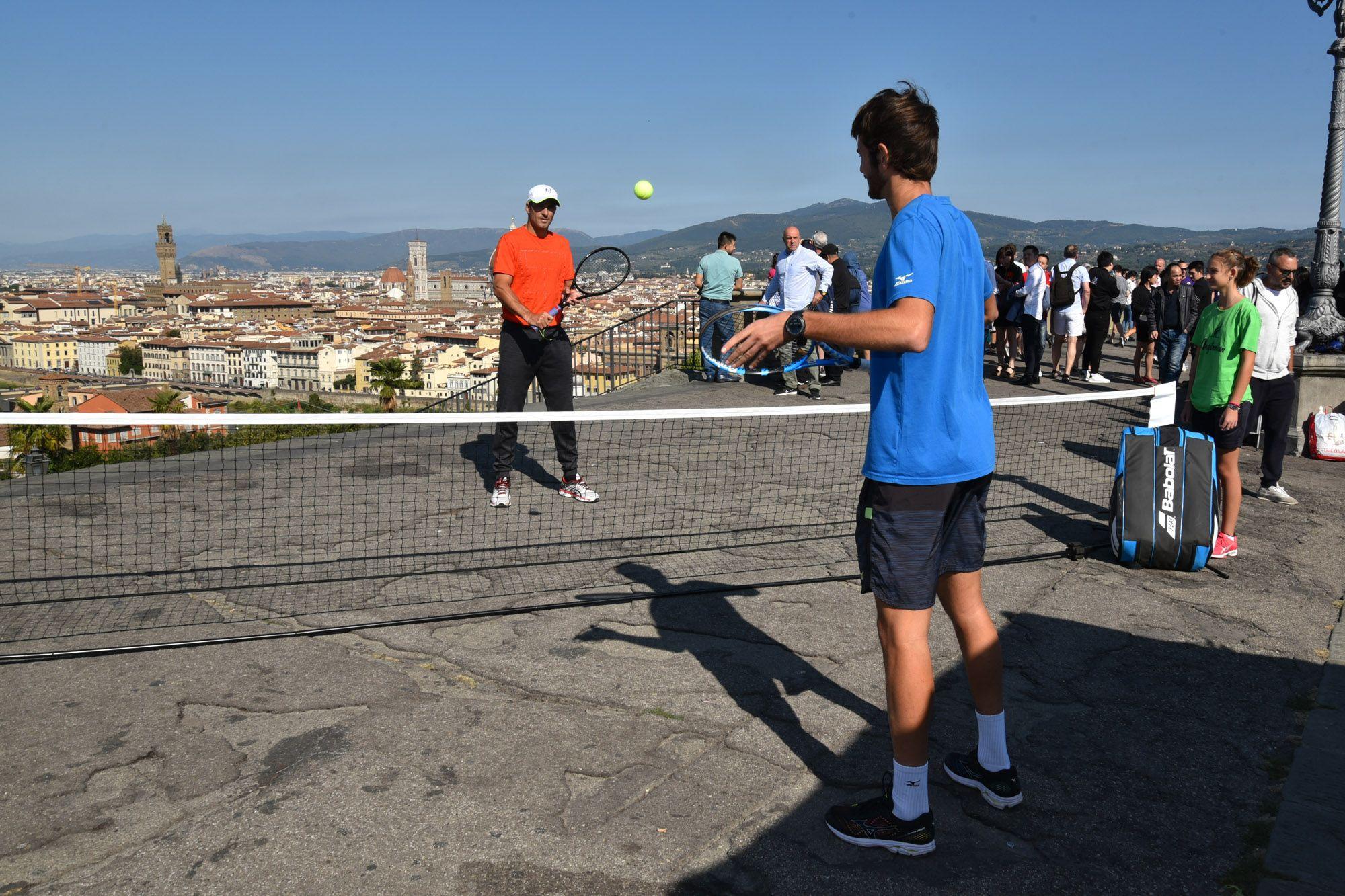 Da Firenze: flash bob con Tommy Robredo a Piazzale Michelangelo (con il programma di domani)