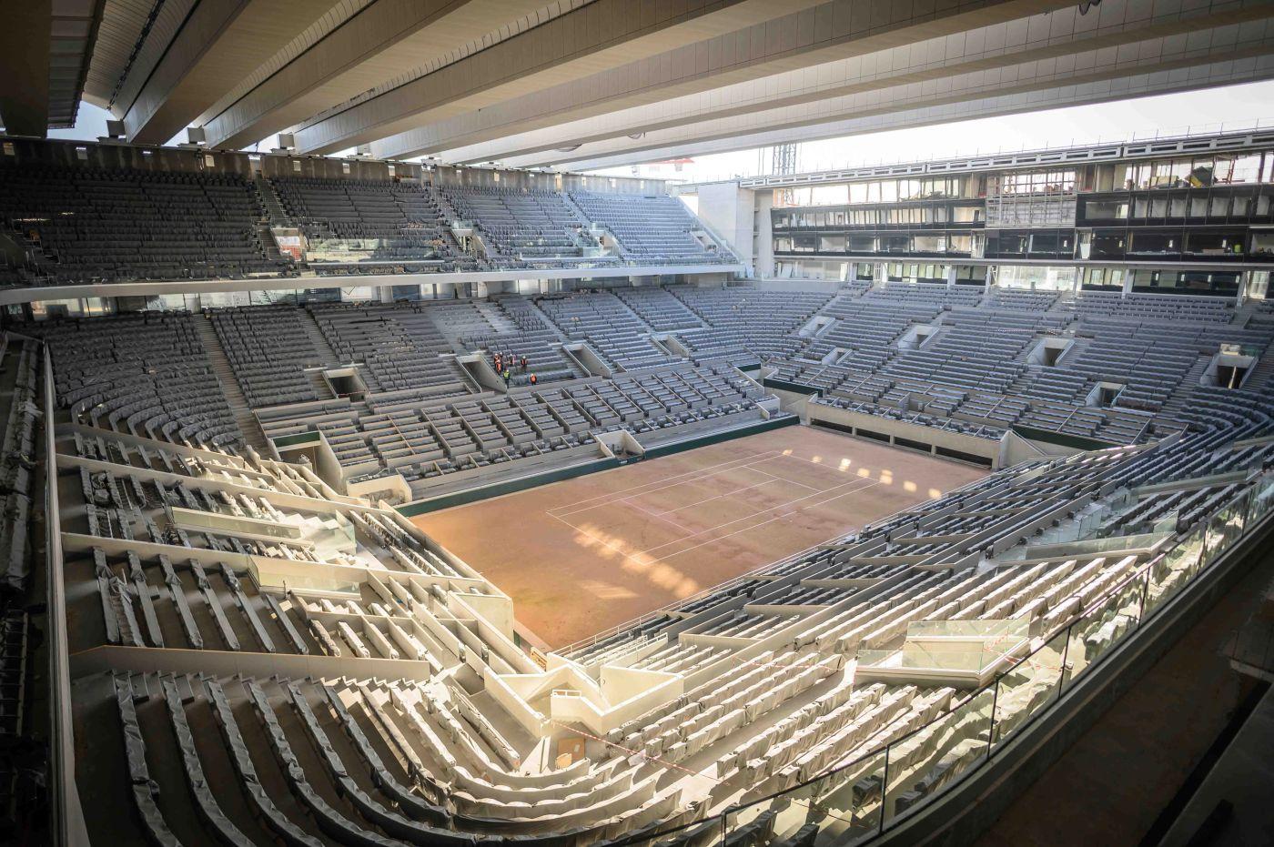 La copertura del Philippe Chatrier, campo centrale del mitico Roland Garros.