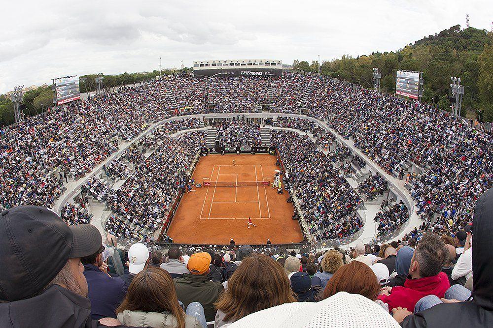 La presentazione della 74esima edizione del torneo di Roma. Il sorteggio dei tabelloni sotto l'Arco di Costantino e poi la domenica al Colosseo