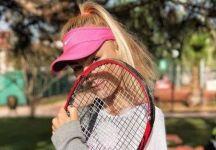 Andreea Rosca: dal tennis come terapia al sogno di uno Slam. La 19enne tennista rumena racconta la sua storia, la scalata del ranking ed il fascino per le foto