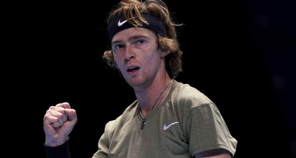 Tennis, dove vedere Nadal-Tsitsipas: streaming e diretta tv Atp Finals