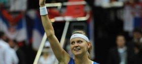 Lucie Safarova deciva per la vittoria della Rep Ceca in Fed Cup