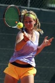 Ludmilla Samsonova, classe 1998, è una delle stelline delle qualificazioni del Trofeo CPZ