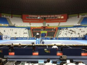 Questa foto fa capire che non c'è molta rissa per assistare all'ATP Challenger Tour Finals di San Paolo.
