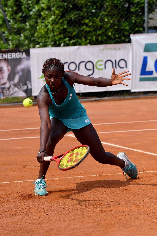 La burundese Sada Nahimana, classe 2001, finalista a sorpresa al TCM Bonacossa dopo il successo in semifinale sulla canadese Collard