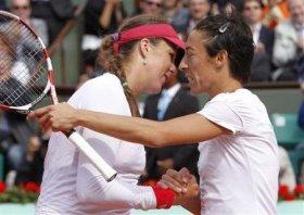 Francesca Schiavone e Anastasia Pavlyuchenkova alla fine dell'incontro