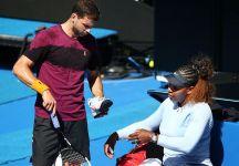Serena Williams con Grigor Dimitrov si allena alla Rod Laver Arena