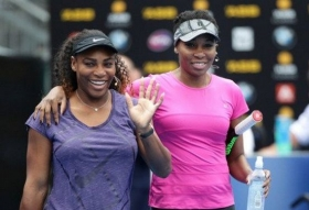 Serena e Venus Williams nella foto