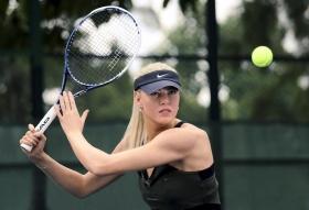<strong>Maria Sharapova</strong> ha avuto l'onore di veder entrare nel museo <strong>Madame Tussauds di Hong Kong</strong> una replica di cera della sua immagine