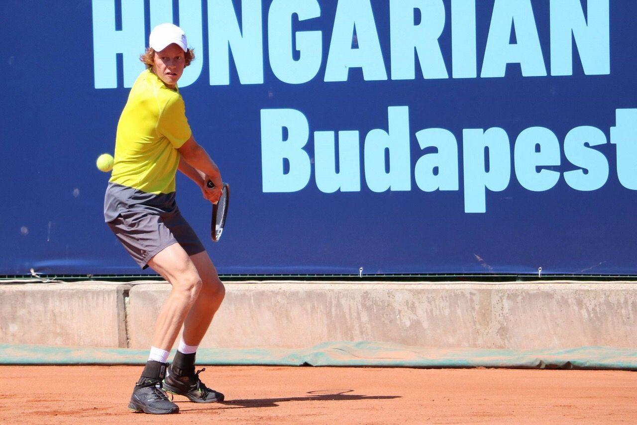 Jannik Sinner nella foto