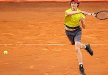 ATP Umago: grandissima rimonta di Jannik Sinner, l'azzurro vola al secondo turno