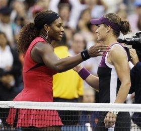 Serena Williams e Samantha Stosur al termine della finale degli US Open.