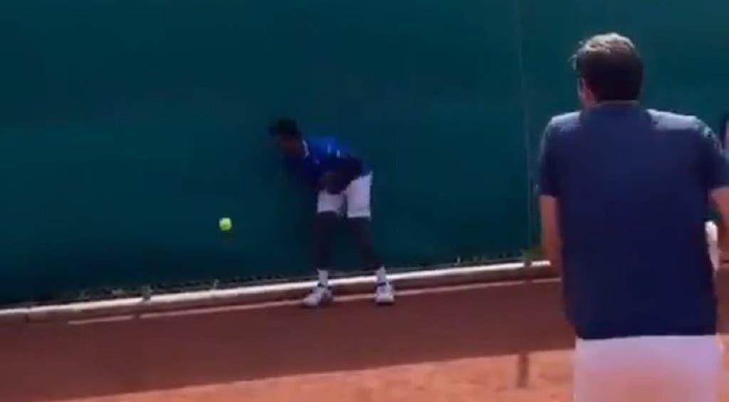 Video del Giorno: Roger Federer fa cambiare sesso a Gael Monfils (comico)