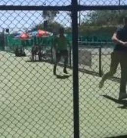 Video del Giorno: Un tennista rincorre l'arbitro in un torneo Future