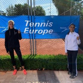 Lavinia Torselli e Diana De Simone nella foto