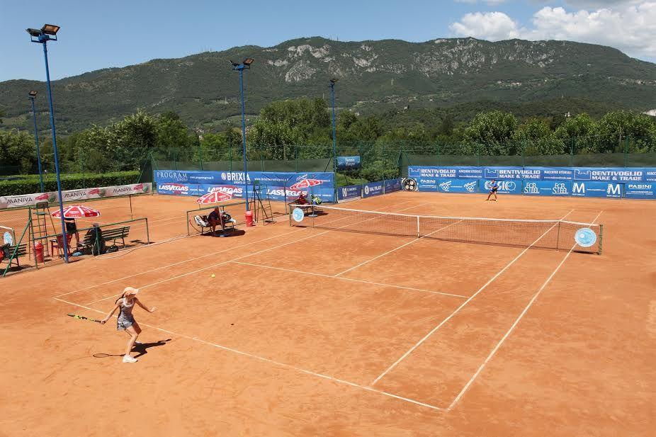 Una panoramica dei campi dell'Olimpica Tennis Rezzato, sede della manifestazione - Foto Alvaro Maffeis